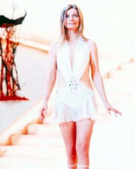 catherine_schell_in_short_white_dress_in_space_1999