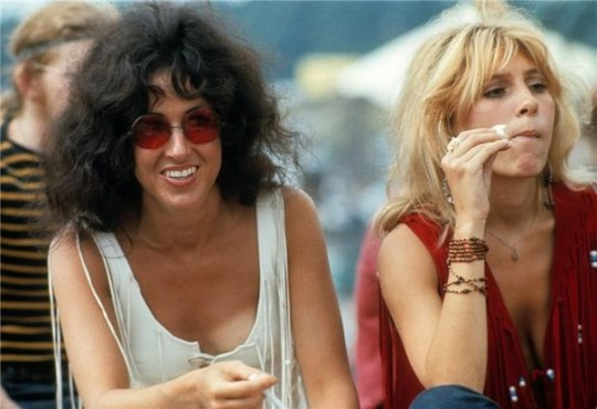 grace_slick_and_sally_mann_at_woodstock_2
