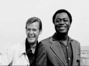 live_and_let_die_roger_moore_and_yaphett_kotto_relaxed_in_new_orleans