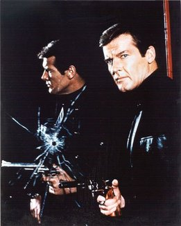 live_and_let_die_roger_moore_pose_bullet_hole_in_cracked_mirror_2
