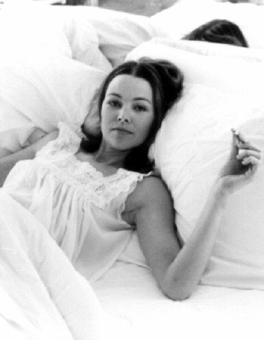 michelle_phillips_in_bed_by_cynthia_mcadams