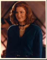 annette_o'toole_blue_top_and_choker