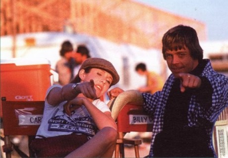 return_of_the_jedi_carrie_fisher_and_mark_hamill_in_directors_chairs