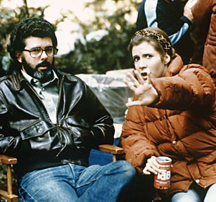return_of_the_jedi_george_lucas_and_carrie_fisher_between_takes_on_location