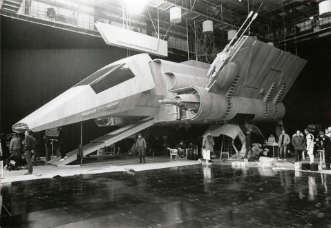 return_of_the_jedi_shuttle_on_the_studio_floor_surrounded_by_crew_members