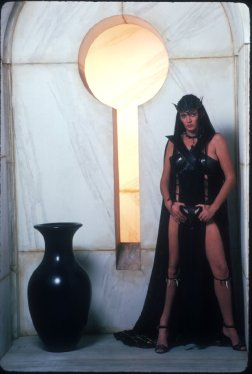 sarah_douglas_black_outfit_in_conan_the_destroyer_2