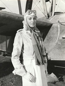 sarah_douglas_dressed_as_an_aviatrix