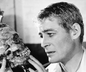 1963_peter_o'toole_hamlet_national_theatre