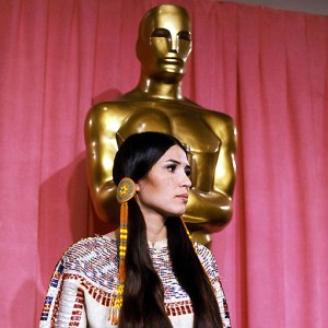 1973_sacheen_littlefeather_at_the_oscars