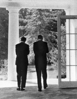 john_f_kennedy_assassination_jfk_and_rfk_in_discussion_outside_the_oval_office_(2)