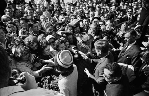 john_f_kennedy_assassination_jfk_and_wife_greet_crowds_on_way_out_love_field_airport_dallas_to_limousine