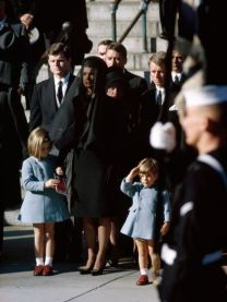 john_f_kennedy_assassination_john_f_kennedy_jr_at_his_father's_funeral_saluting_the_coffin_november_25_1963_(2)