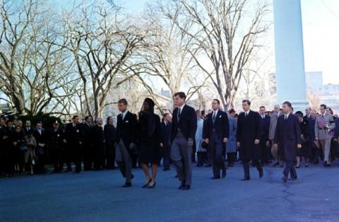 john_f_kennedy_assassination_robert_and_edward_kennedy_accompany_widow_jackie_kennedy_at_jfk's_funeral_(2)