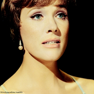 julie_andrews_scared_face
