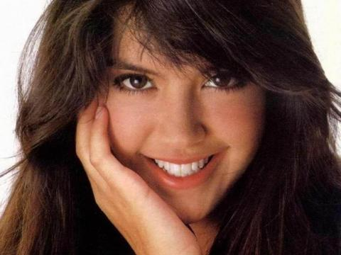 phoebe_cates-smiling_face