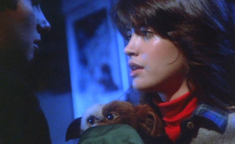 phoebe_cates_and_gizmo_in_gremlins
