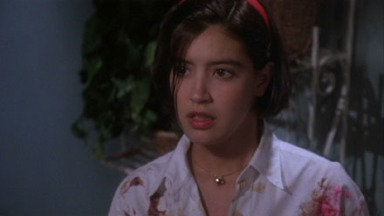 phoebe_cates_gremlins_2_wearing_bloodied_shirt