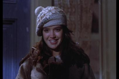 phoebe_cates_gremlins_wearing_woolly_hat_2