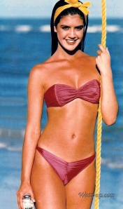 phoebe_cates_modelling_pink_bikini