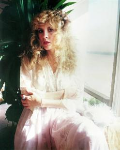 stevie_nicks_next_to_window