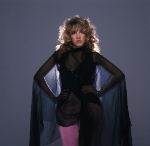 stevie_nicks_wearing_long_black_shift