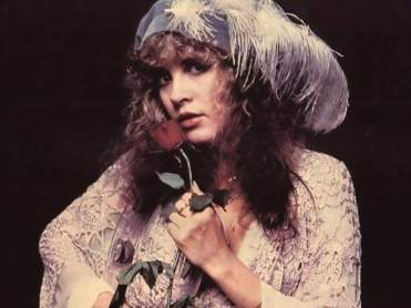 stevie_nicks_with_rose
