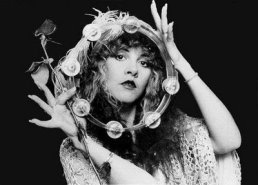 stevie_nicks_with_rose_and_tambourine_2