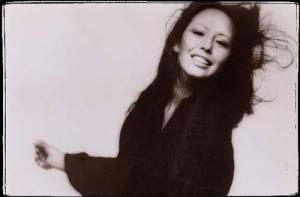 yvonne_elliman_action_pose