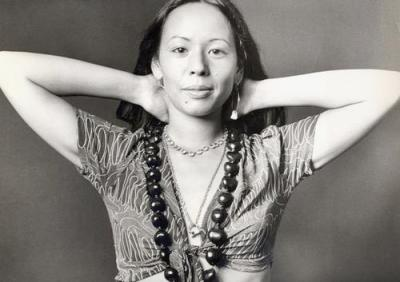yvonne_elliman_hands_behind_head