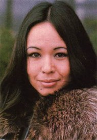 yvonne_elliman_in_fur