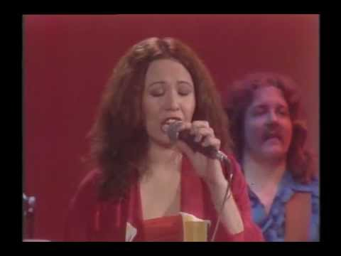 yvonne_elliman_performing_if_i_can't_have_you_on_midnight_special