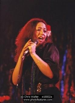 yvonne_elliman_performing_in_1978