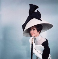 audrey_hepburn_1964_my_fair_lady_dress_photographed_by_cecil_beaton_2