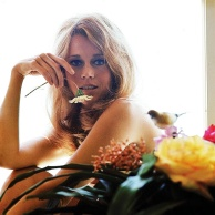 jane_fonda_1966_and_flower