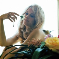 jane_fonda_1966_and_flower_3