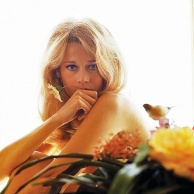 jane_fonda_1966_and_flower_5