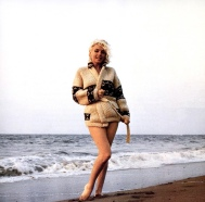 marilyn_monroe_summer_1962_photographed_by_george_barris_on_beach_santa_monica_2