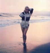 marilyn_monroe_summer_1962_photographed_by_george_barris_on_beach_santa_monica_6
