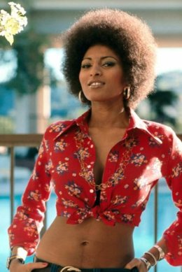 pam_grier_1974_foxy_brown_2