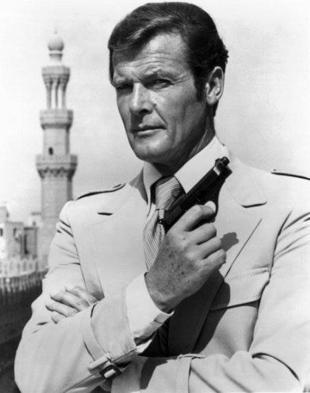 roger_moore_1977