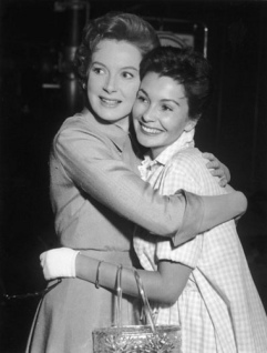 deborah_kerr_and_jean_simmons