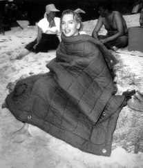 deborah_kerr_from_here_to_eternity_between_takes