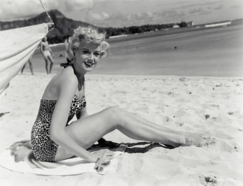 deborah_kerr_in_leopard_print_swimsuit