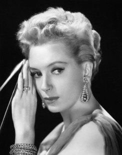 deborah_kerr_resting_head_on_hand