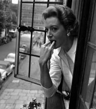 deborah_kerr_whistling_out_of_window