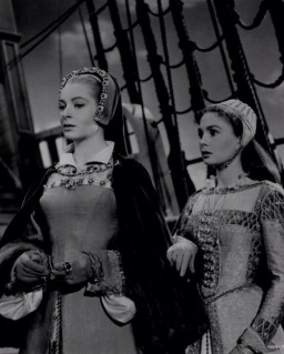 deborah_kerr_and_jean_simmons_in_young_bess