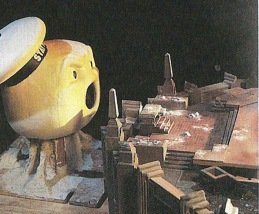 ghostbusters_behind_the_scenes_stay_puft_marshmallow_man_model_head