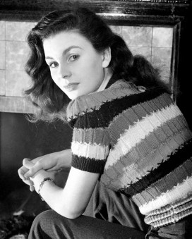 jean_simmons_in_woolly_top_and_trousers_2