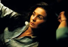 jean_simmons_lying_on_side
