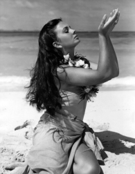 jean_simmons_publicity_shot_for_the_blue_lagoon_3